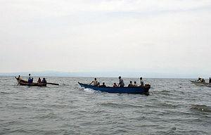 Lật tàu tên hồ Tana, ít nhất 12 người thiệt mạng