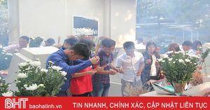 Đầu năm dâng hương tại Ngã ba Đồng Lộc