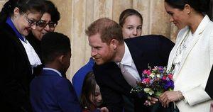Bằng chứng đập tan tin đồn Harry chán ghét vợ, hoàng gia Anh bất hòa vì chuyện nàng dâu