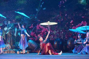 5.000 khán giả xem nghệ sĩ 'cháy hết mình'