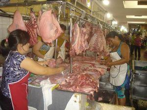 Giá heo Nam bộ chạm ngưỡng 40.000 đồng/kg