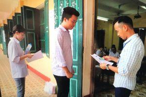 An ninh thắt chặt trong ngày thi THPT quốc gia đầu tiên