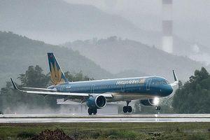 Sân bay Phú Quốc đóng cửa vì mưa lớn, hàng loạt chuyến bay bị hủy
