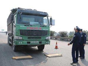 Quát nạt cán bộ để giải cứu xe vi phạm, Phó Chánh Thanh tra Sở GTVT bị kỷ luật