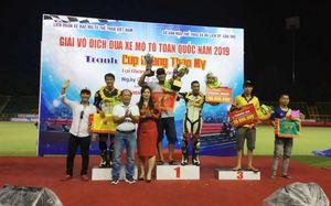Ấn tượng màn tranh tài của các tay đua tại Giải đua xe mô tô toàn quốc dịp Quốc khánh 2/9