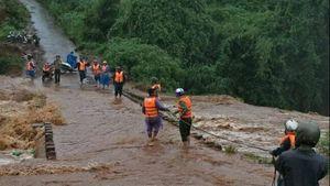 Đắk Nông sơ tán dân, huy động lực lượng xử lý sự cố vùng đập