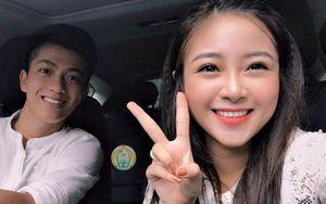 Bạn gái mới gây sốt khi 'nựng yêu' Phan Văn Đức trên ô tô bạc tỷ