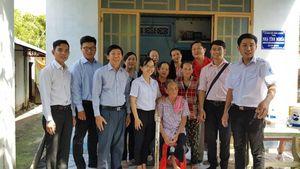 Liên hiệp các tổ chức hữu nghị Thành phố Hồ Chí Minh trao quà cho Mẹ Việt Nam Anh hùng, học sinh vượt khó Củ Chi