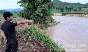 Sông 'nuốt' đất sản xuất, dân tố do khai thác cát
