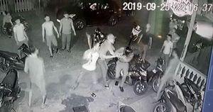 Khởi tố 8 đối tượng đánh, cướp súng công an