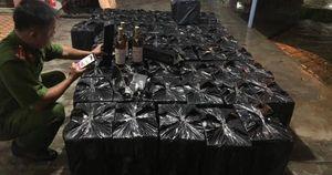 Thừa Thiên Huế: Bắt xe ô tô chở lô rượu lậu gần 1 tỷ đồng