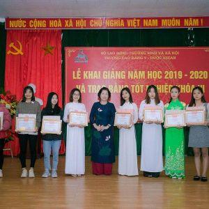 Trường cao đẳng Y Dược ASEAN trao 100 suất học bổng cho sinh viên