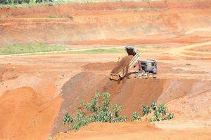 Đắk Nông: San ủi trái phép quả đồi để phân lô, bán nền