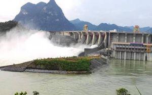 Lo an toàn vùng hạ du, 29 hồ chứa phải xả tràn phòng chống lũ