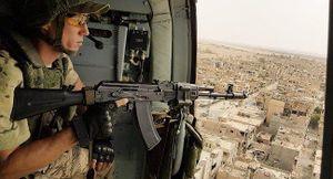 Cận cảnh trực thăng chở binh sĩ Nga hạ cánh, tiếp quản căn cứ Mỹ tại Syria