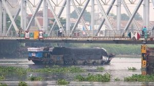 Nhiều cầu trọng điểm phía Nam hạn chế tàu thuyền lưu thông