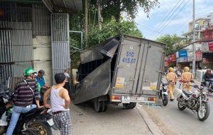 Trộm xe tải xong bỏ chạy còn gây tai nạn liên hoàn