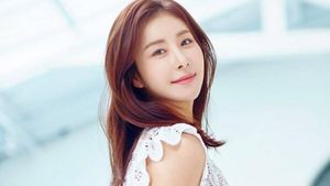 'Tình địch' của Song Hye Kyo trong 'Ngôi nhà hạnh phúc' kết hôn ở tuổi U40