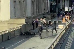 Toàn cảnh vụ tấn công khủng bố rúng động London ngày Black Friday