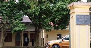 Chánh văn phòng tòa án huyện bị bắt do trốn truy nã 26 năm từng được ngành tòa án tặng giấy khen