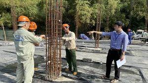 Tháo dỡ công trình sai phép tại Khu du lịch sinh thái Thung Nham, Ninh Bình
