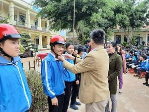 Đắk Nông: Ban ATGT huyện Tuy Đức chủ động đưa luật giao thông đường bộ đến từng học sinh trên địa bàn