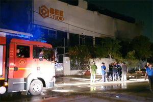 Phim trường quay gameshow bất ngờ bị cháy, nhiều tài sản bị thiêu rụi