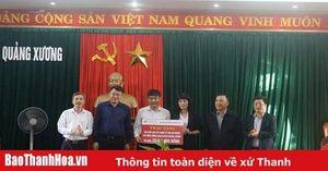 Agribank Nam Thanh Hóa tặng quà Tết cho hộ nghèo huyện Quảng Xương