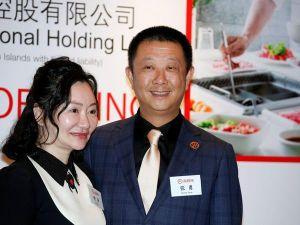 Quá khứ không xu dính túi của tỷ phú lẩu giàu nhất Singapore
