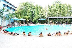 Cảnh báo an toàn cho trẻ ở hồ bơi