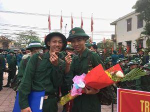 Hơn 1000 thanh niên Quảng Trị nô nức lên đường tòng quân