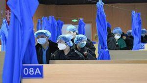 Bệnh viện dã chiến chuyên khoa Đông Y đầu tiên của Vũ Hán đón bệnh nhân