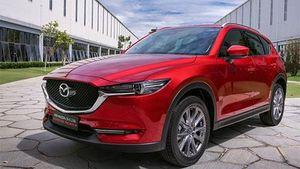 Mazda CX-5 giảm giá trong tháng 2, đối đầu Hyundai Tucson, Mitsubishi Outlander