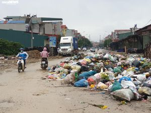 Người dân Yên Phong, Bắc Ninh 'chết mòn' cạnh bãi rác gần 10 năm chưa được xử lý
