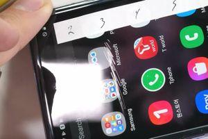 Độ bền màn hình Galaxy Z Flip vẫn bị nghi ngờ