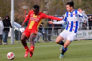 Văn Hậu Tỏa sáng, Heerenveen lọt top 3 giải Hà Lan