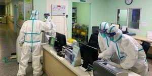 Hồ Bắc tăng cường bảo vệ sức khỏe y bác sĩ tuyến đầu chống dịch COVID-19