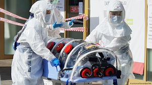 Hàn Quốc và Nhật Bản đối mặt với nguy cơ bùng phát dịch bệnh COVID-19