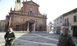 Thị trấn Italy hoang vắng vì Covid-19