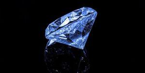 Mỹ chế tạo được kim cương từ... dầu mỏ