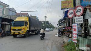 Quảng Nam: Xe tải nặng nối đuôi vào đường cấm, 'vắng bóng' lực lượng TTKS