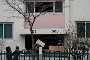 Phong tỏa chung cư 'ổ dịch' của tín đồ Tân Thiên Địa ở Daegu