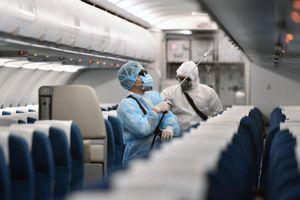 TPHCM: 20 người đi cùng chuyến bay với cô gái Hà Nội nhiễm Covid-19 đều âm tính