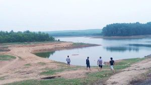 2 học sinh chết đuối trong hồ chứa nước gần nhà