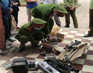 Phát hiện, thu giữ hàng trăm linh kiện lắp ráp súng tự chế
