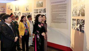 Khai mạc triển lãm Hà Nội niềm tin và khát vọng vươn cao
