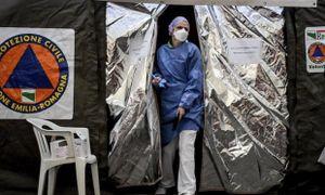 Nhân viên y tế Italy ví chống Covid-19 như 'chiến tranh thế giới'