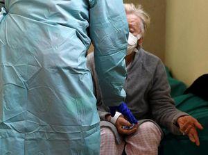 Bệnh viện Italy quá tải trước áp lực lây lan của dịch
