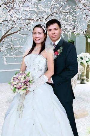 Vợ chồng chan hòa tình đồng chí