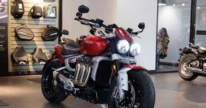 Giá bán từ 869 triệu đồng, mô tô Triumph Rocket 3 mới ra mắt có gì đặc biệt?